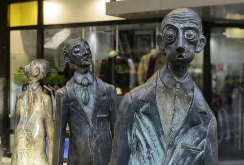 THREE BUSINESSMEN WHO BOUGHT THEIR OWN LUNCH, public art of Swanston Street