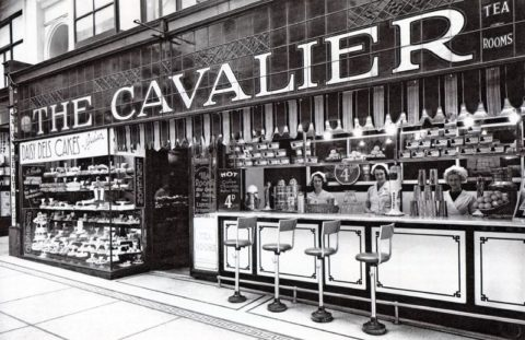 Melbourne's Lost Buildings: The stylish shops of Queens Walk