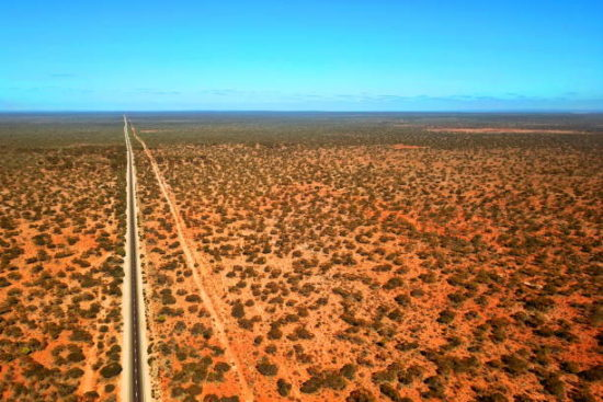Nullarbor Plain: Flat and featureless