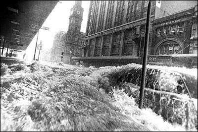 The Great Melbourne Flood of 1972: Neil Bowler's photo of Bourke Street