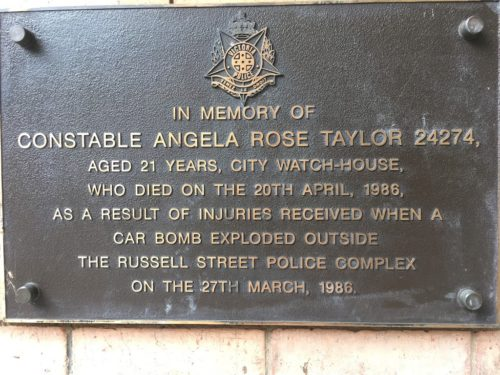 Commemorative plaque for the Russell Street bombing