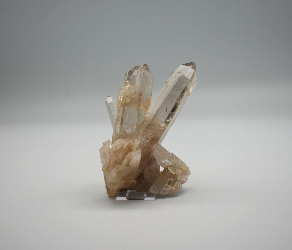 a six-sided quartz specimen with a six-sided pyramid termination