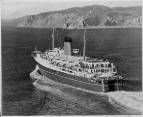 TEV Wahine steaming into Wellington Harbour