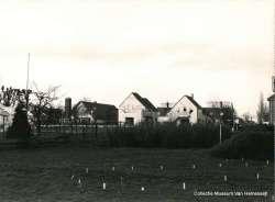 Weteringpad uitzicht op de Van Hemessenkade hout-skelet woningen april 1984 Noord Oost