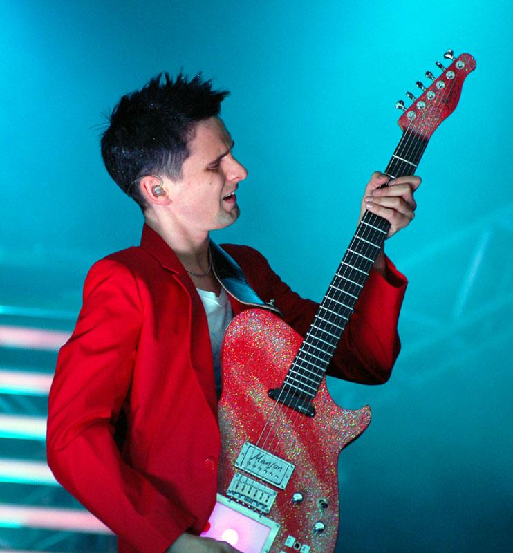 Matt con su guitarra con Kaoos Pad integrado.