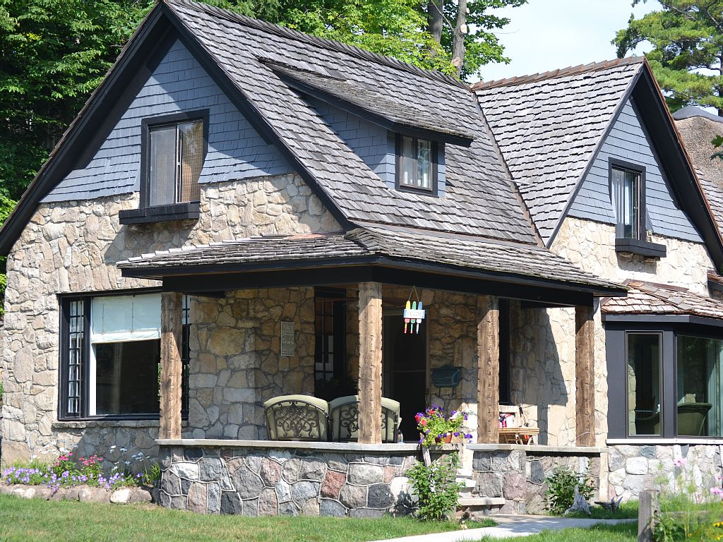 charlevoix-mushroom-house-the-cottage-exterior-vacation-rental