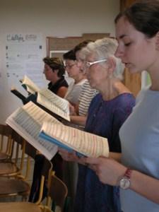 L'Enseignement vocal adapté aux chanteurs de tous niveaux.