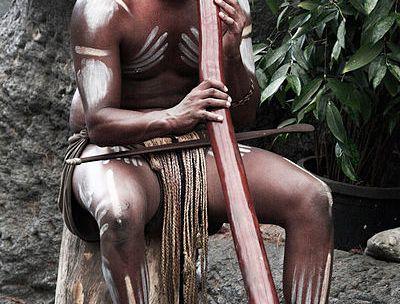 Il didjeridoo degli Aborigeni australiani tra riti, armonici e guarigione