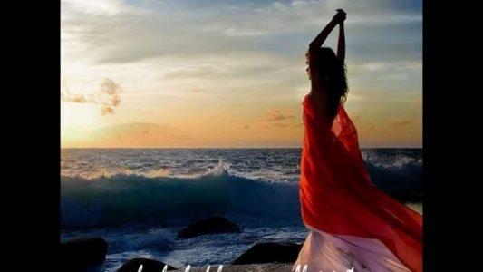 Mujer-Bailando-533×300