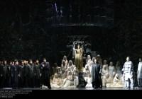 Léonor in un mondo di plastica LA FAVORITE al Teatro La Fenice di Venezia