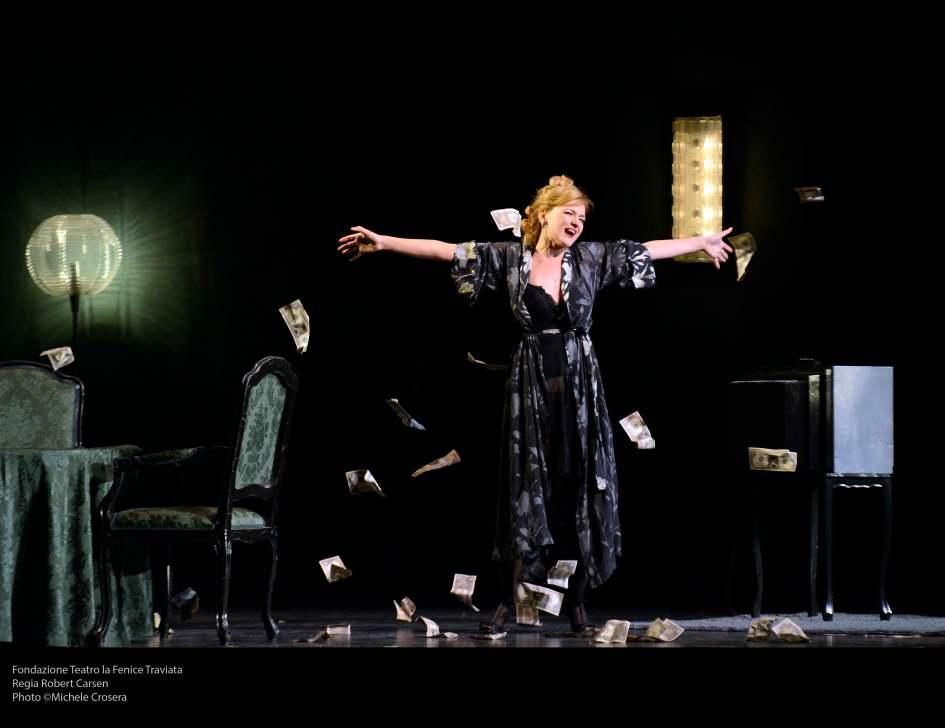 Fondazione Teatro la Fenice TraviataRegia Robert CarsenPhoto ©Michele Crosera