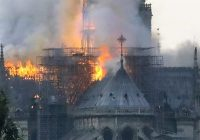 Notre-Dame de Paris: brucia la storia