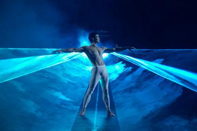 Roberto Bolle Waves foto Andrej Uspenski-Scala 2020 a riveder le stelle