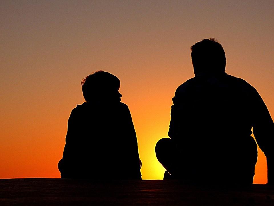 Imagen de padre e hijo