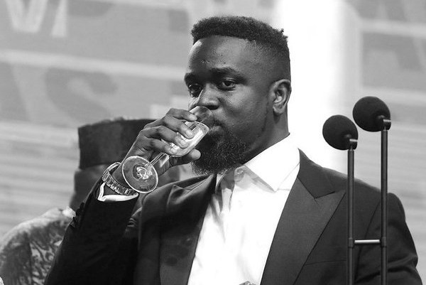 """Sarkodie Hits 3M Followers On Twitter Amidst """"Sub Zero"""" Diss Song"""