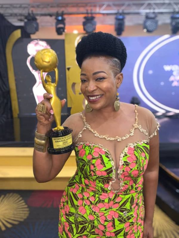 Ace Ghanaian Actress, Akofa Edjeani Honoured At The 2020 Women's Choice Awards Africa With The 'Woman of the Decade' Award