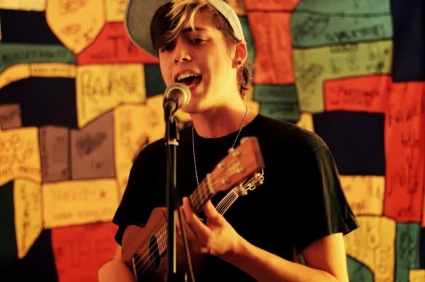 Singer Nate Swettenham