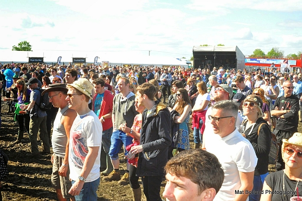 The crowd enjoying the main stage