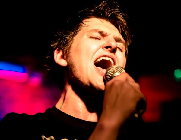 Alex Van-Roose featured
