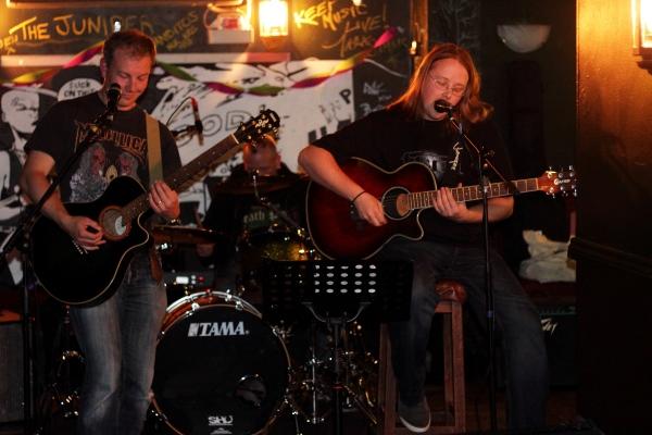 Final Coil at Duffys Bar. 2015. Photo Kevin Gaughan.