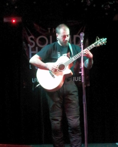 Guitarist Sam Bradshaw at The Soundhouse