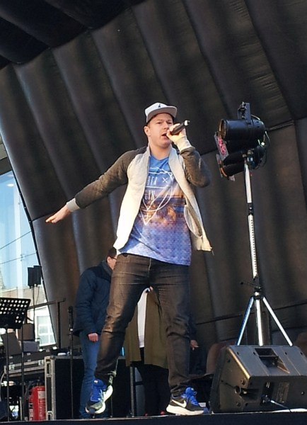 Jonezy on stage in Humberstone Gate on Good Friday