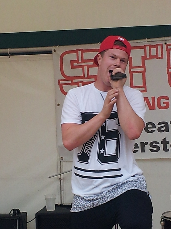 Jonezy at Enderby festival, July 2016