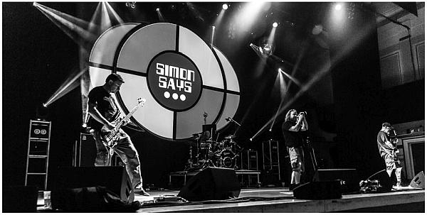 Mage on stage at Simon Says festival 2016. Photo: Pascal Pereira.