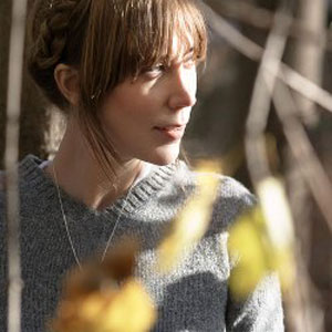 beth orton features