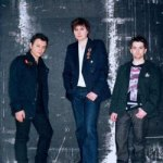 Manic Street Preachers + Kaiser Chiefs + Bloc Party + Klaxons + The Cribs @ o2 Aren...