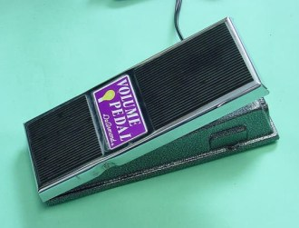 Model 1630 Opto-volume pedal, requires 110V 60Hz electrical supply.