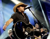 "Jason Aldean performed ""Dirt Road Anthem"" on New Year's Eve"