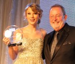 Taylor Swift Breaks NSAI Record, To Open CMHoF Education Center