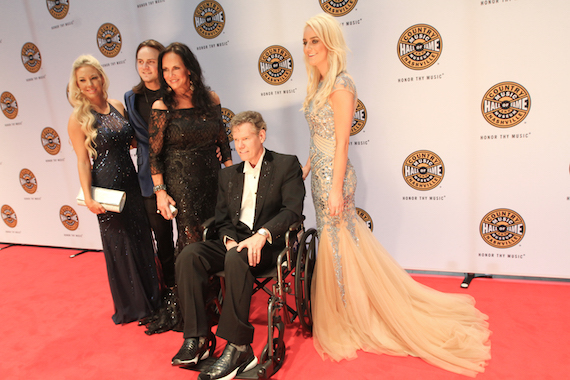 Randy Travis with wife Mary on the CMHoF Medallion Ceremony red carpet. Photo: Bev Moser/Moments By Moser