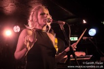 junebug-king-tuts-glasgow-new-band-revolution-live-january-2014-17