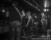 junebug-king-tuts-glasgow-new-band-revolution-live-january-2014-6