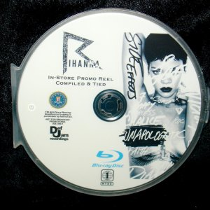 RIHANNA In-Store Promo Reel Tied 42 Music Videos BLU-RAY DVD format only