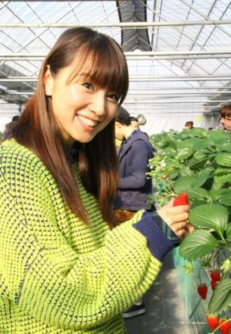 山梨県から「やまなし食の大使」の任命を受けた鈴木亜美