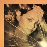 日本で先行発売したノラ・ジョーンズの最新アルバム『デイ・ブレイクス』