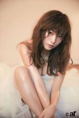 「ar1月号」で初カバーを飾った伊藤千晃