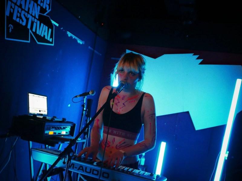 Lydmor (Credit Birgit Martin/MusikBlog)