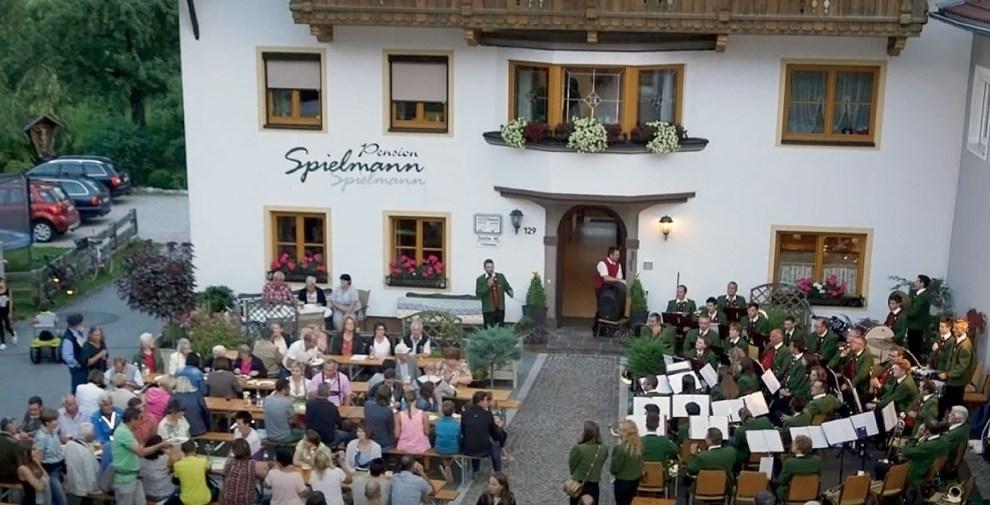 Rochusmesse in der Georgskirche - Mit Weisenbläsern, Sängern und Musikkapelle, Foto: Andreas Fischer