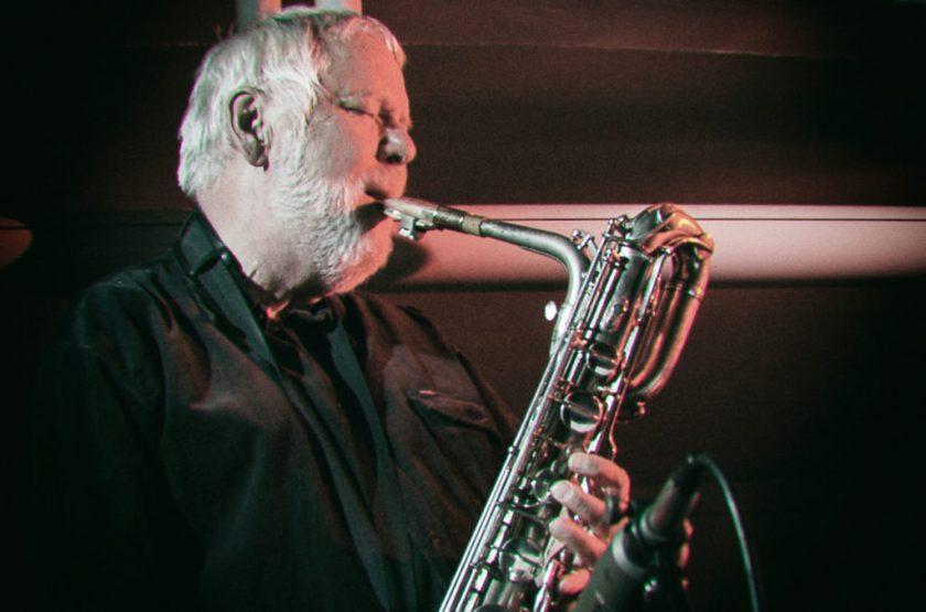 Ekkehard Jost am Bariton-Saxophon. Foto: Hufner