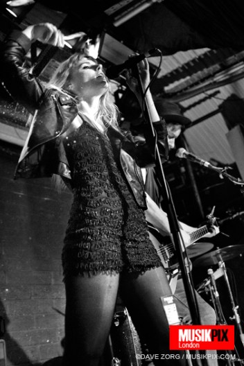 Coves live in London