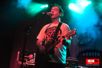 British rock band The Woodentops performed their debut album Giants in its entirety live at The Garage in London