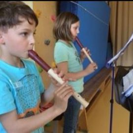 Flötenkinder proben für´s Inselfest