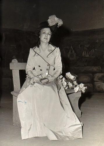 Solange Michel dans Charlotte (Werther), ca. 1955, son rôle préféré.