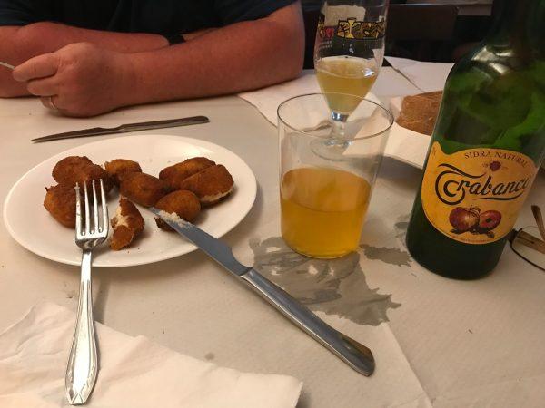 Chicken croquetas and Asturian Cider