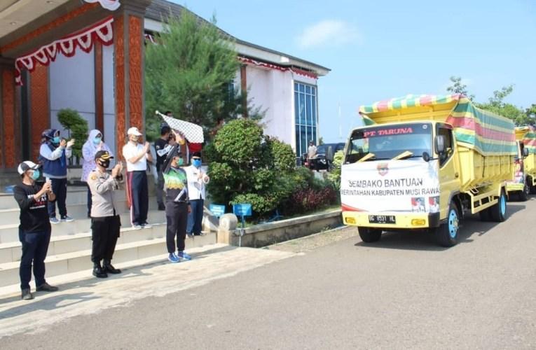 Bupati H2G Serahkan Bansos Tahap IV Untuk Empat Kecamatan