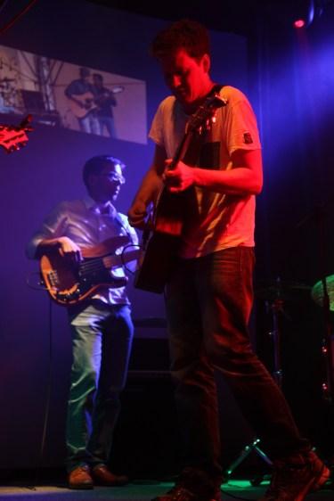 Philipp Schalla mit der Alex Sebastian Band bei Glück